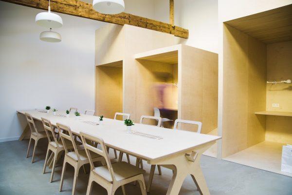 Le mobilier pour les espaces de co-working pour affirmer vos valeurs et créer une identité.