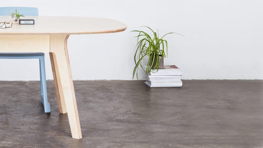 Mobilier de bureau pour les administrations et associations, table de réunion ovale qui s'adapta à votre espace