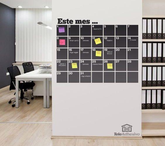 Un tableau permettant à tous d'ajouter des post-it pour organiser des activités.