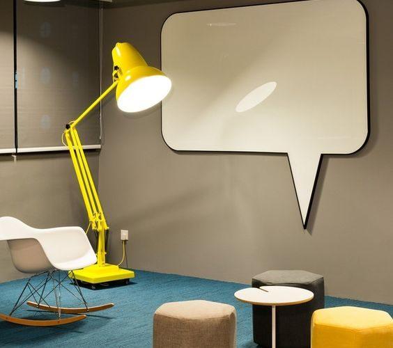 Le design comme moyen d'exprimer ses valeurs et un tableau blanc pour le convertir en espace de réunion