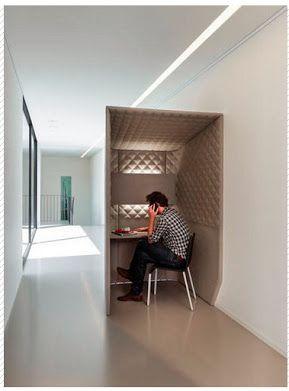 Un espace capitoné pour s'isoler et travailler de manière efficace.