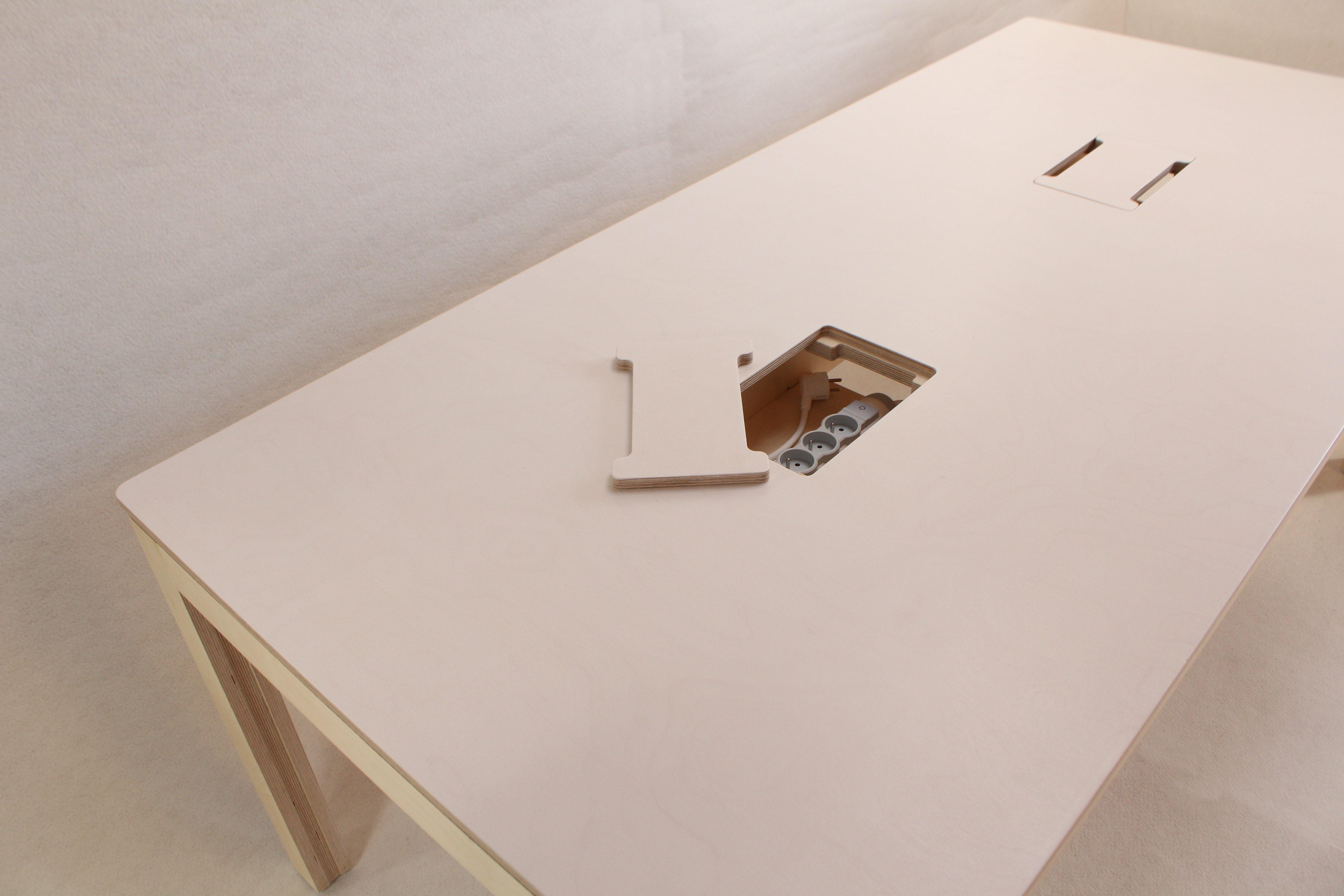 Bureau partagé confortable idéal pour co working et openspaces