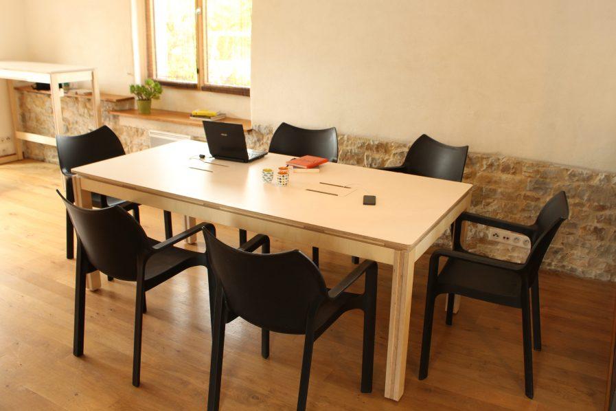 bureau partagé confortable et design