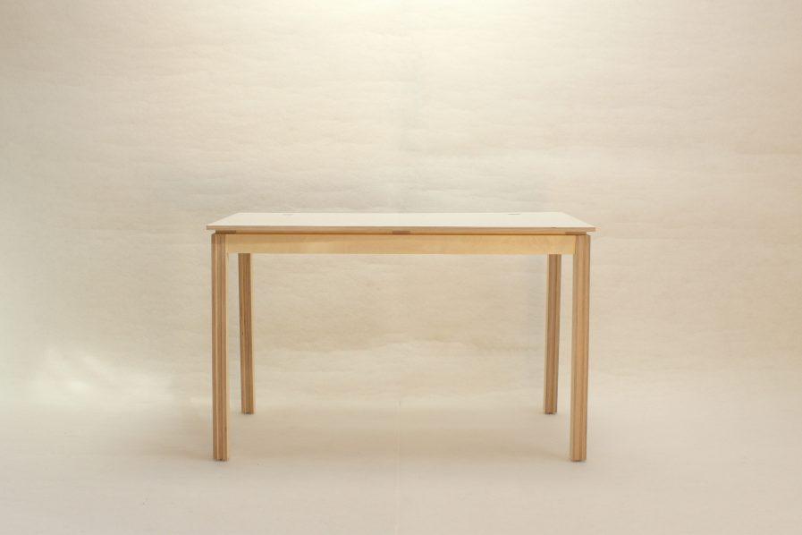 Petit bureau design en bois