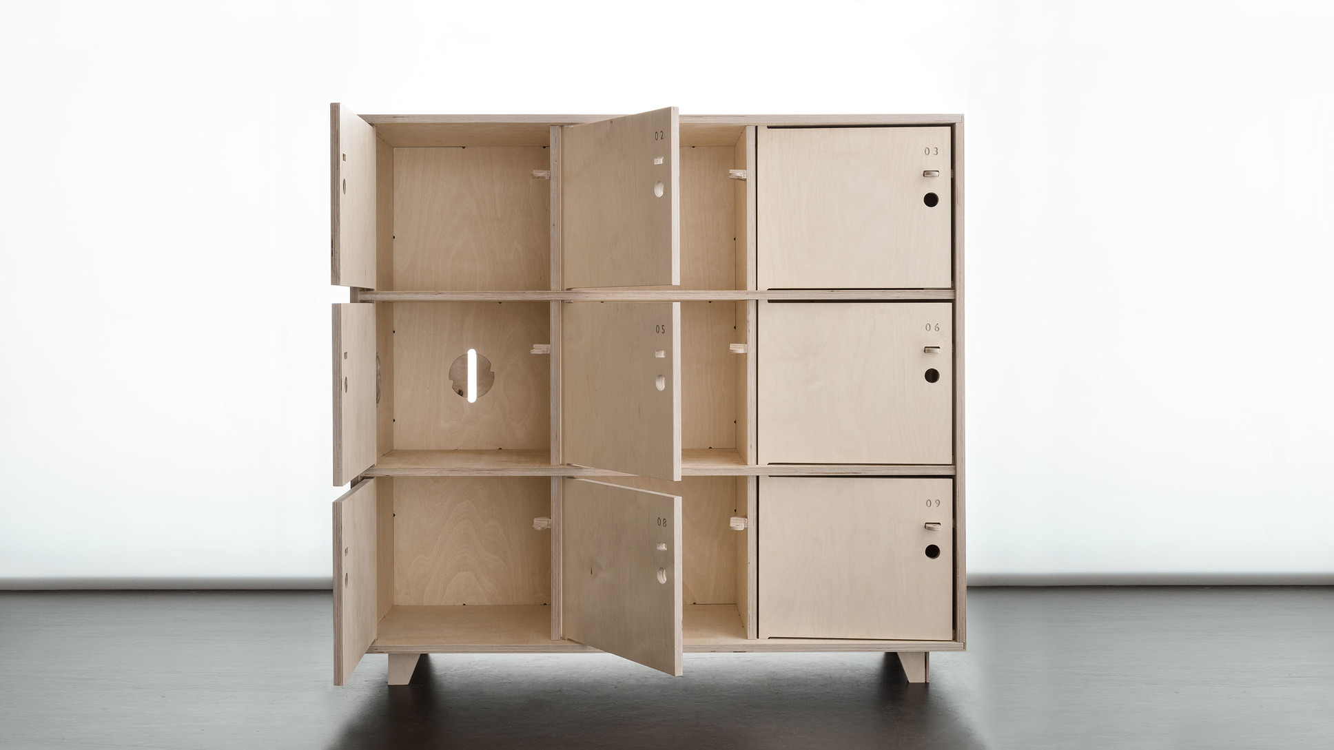 rangement bureau avec porte en bois fin locker opendesk openwood. Black Bedroom Furniture Sets. Home Design Ideas