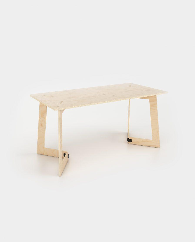Un petit bureau en bois démontable et design