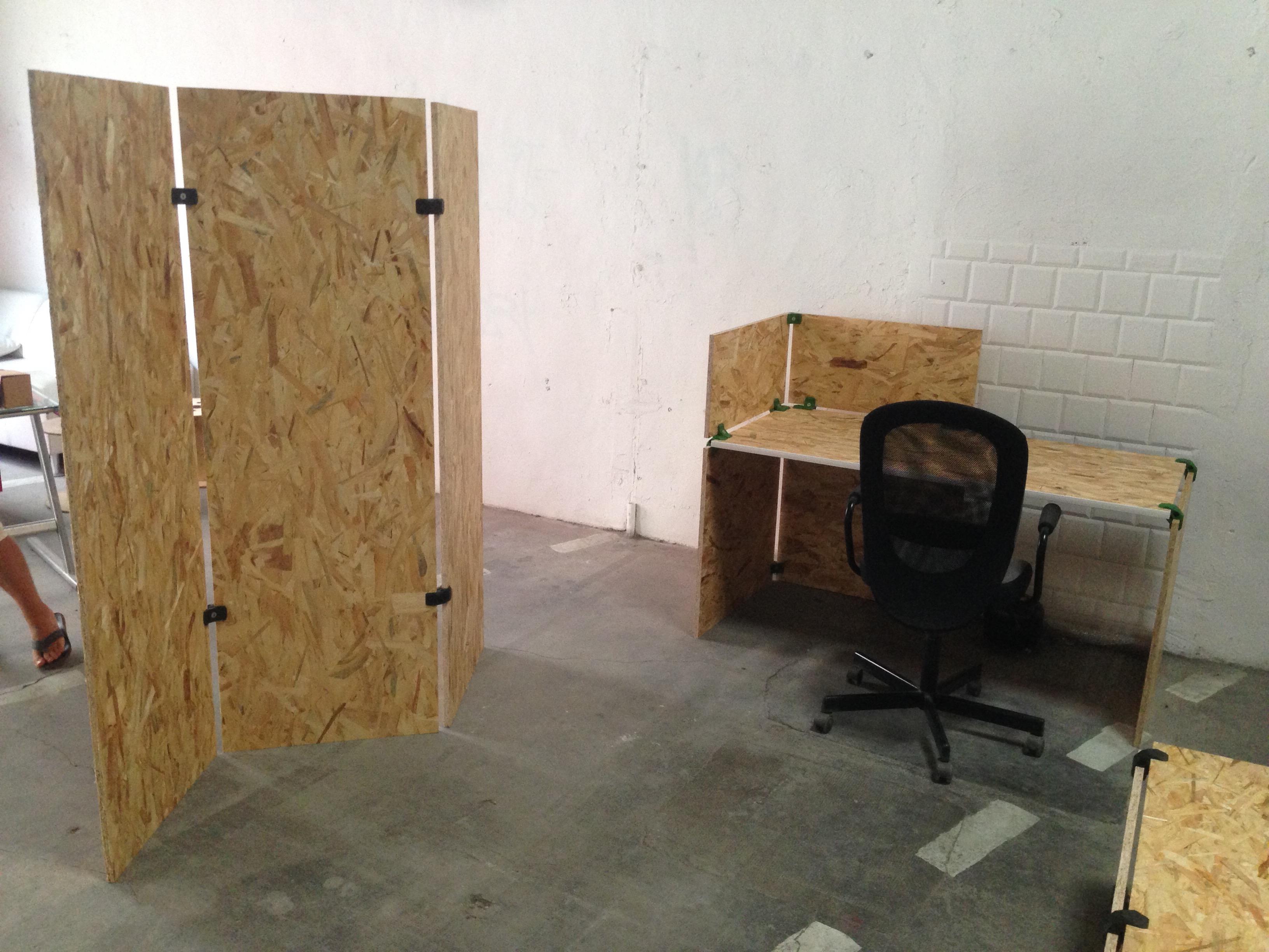 showroom de mobilier professionnel à Montpellier paroi et bureau