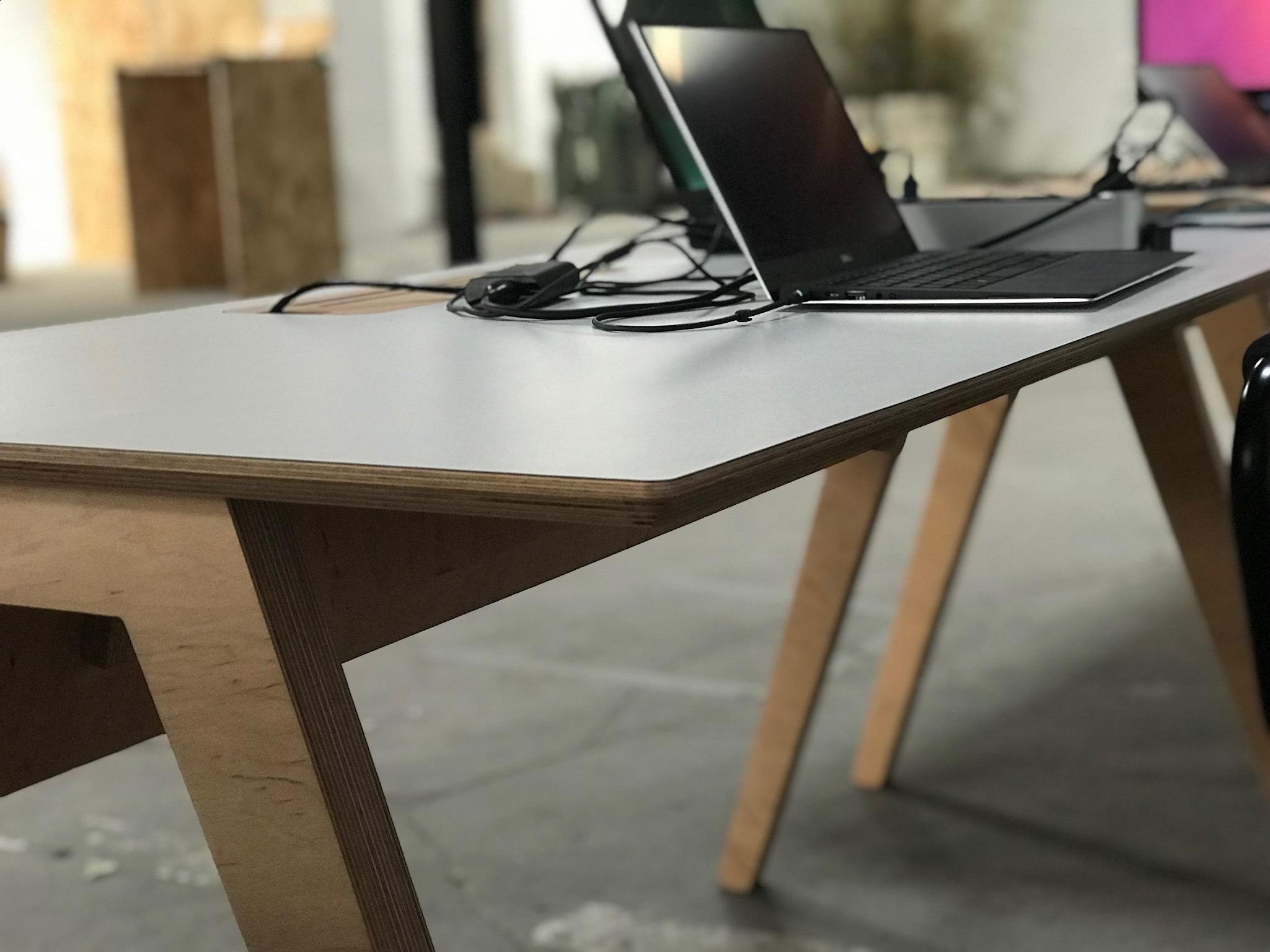 showroom de mobilier professionnel à Montpellier Ordi