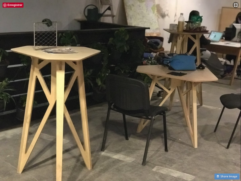 Meubles espace de COworking à Montpellier Half Sheet Table