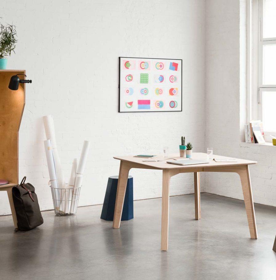 Table de réunion carré Hot Desk situation