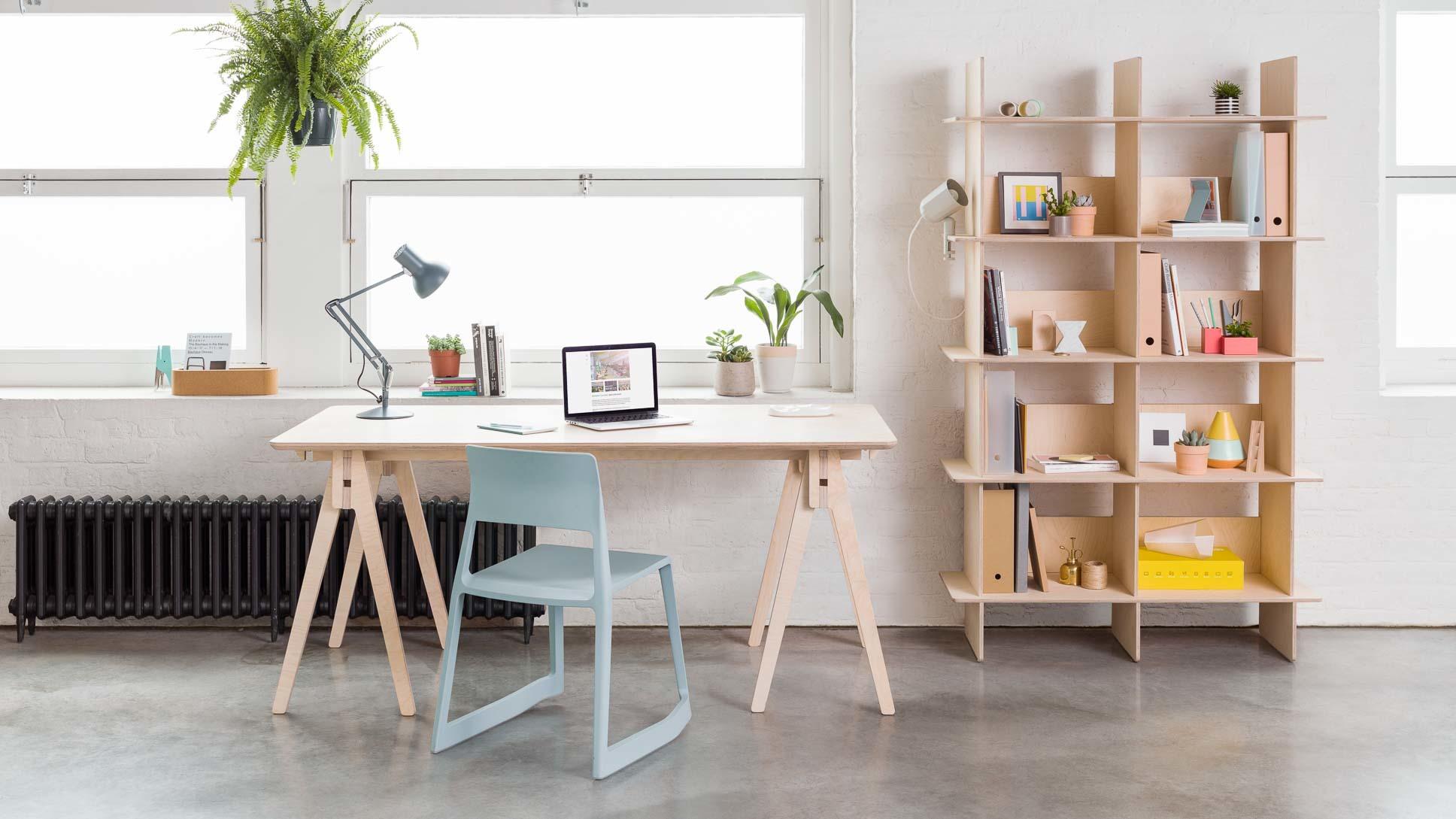 Bureau tréteau pour les espaces modulaires idéal coworking