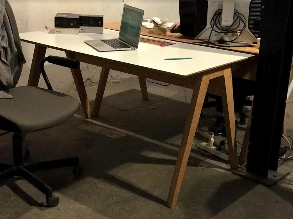 Les meubles Studio Desk du DoTank à l'espace de coworking Montpellier
